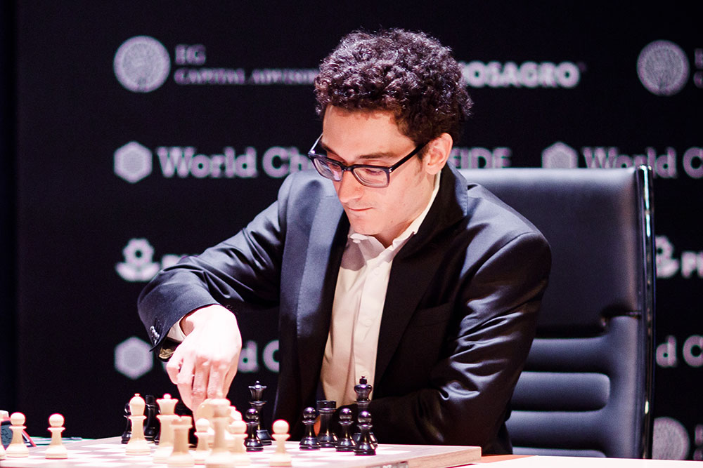 USA's Caruana vs Carlsen in Chess Championship!